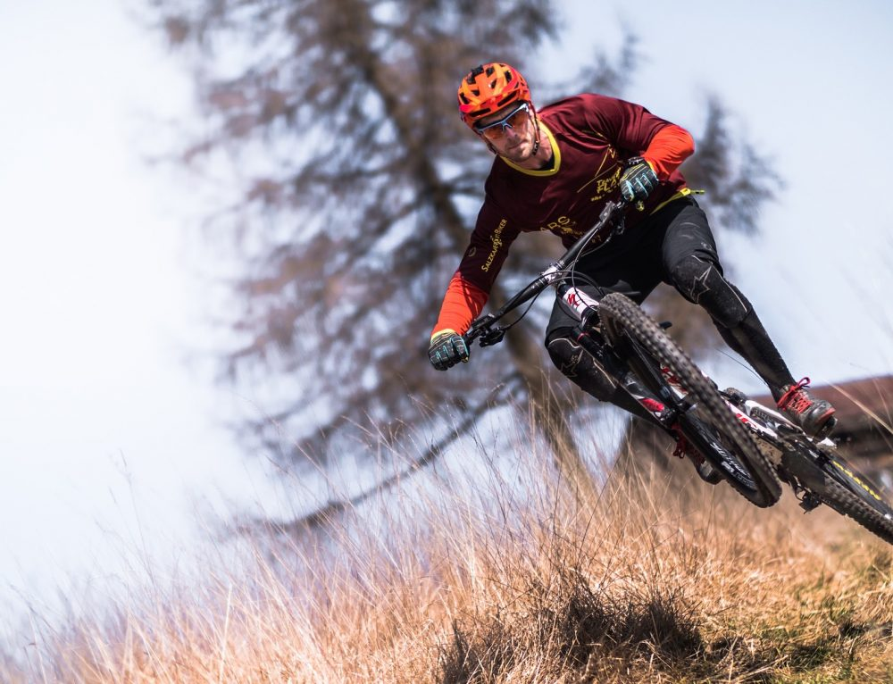Hardtail vs. Full Suspension: How to Choose the Best Mountain Bike