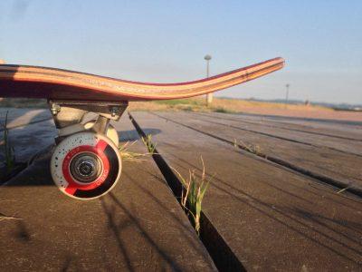 skateboard trucks