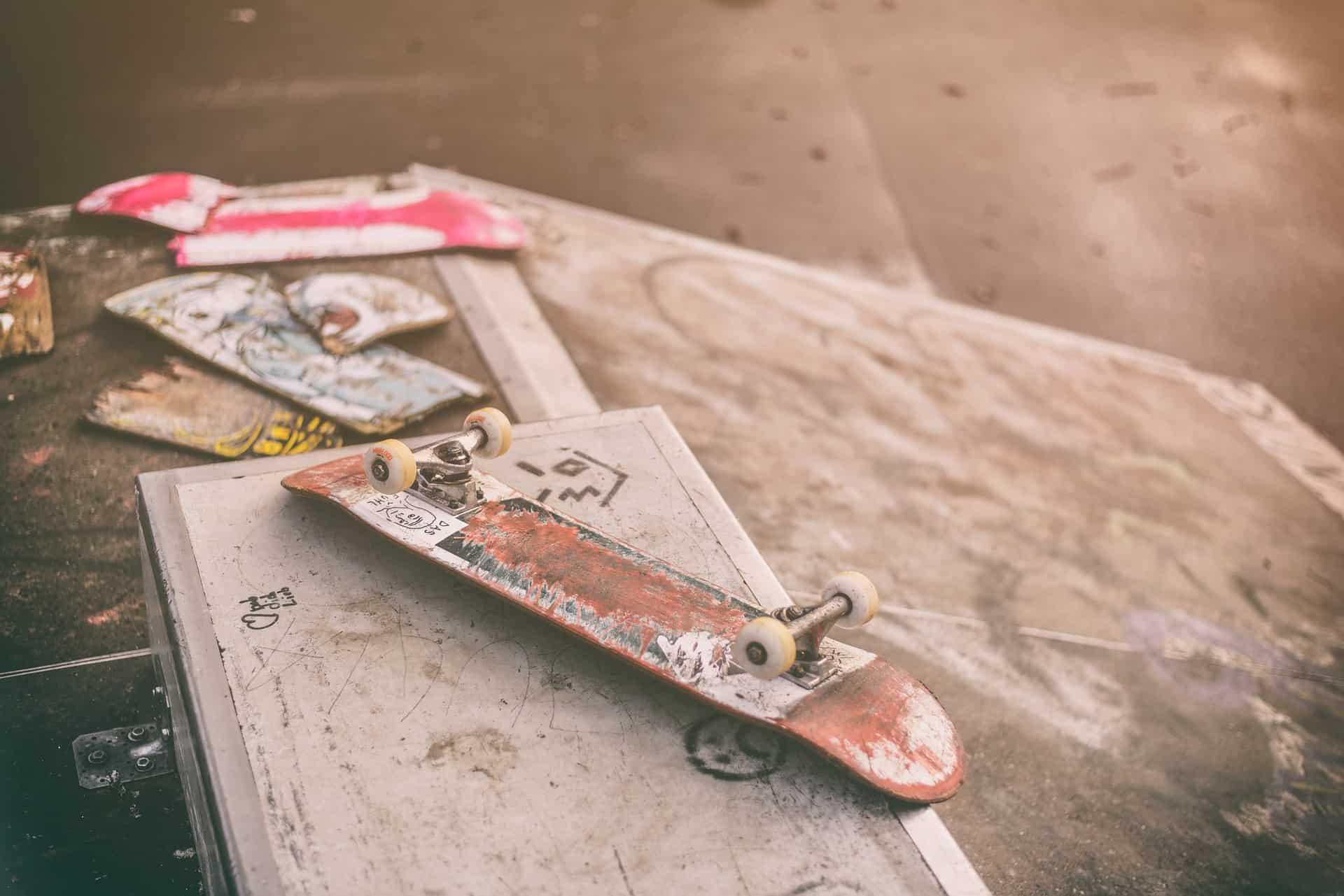 how to fix broken skateboard