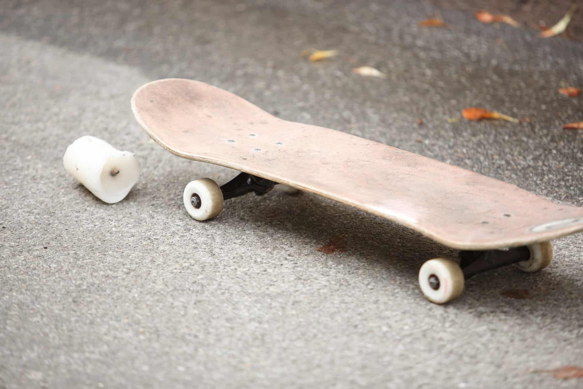 make skateboard wax