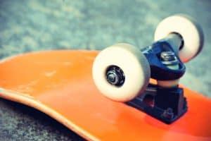 measure skateboard trucks size
