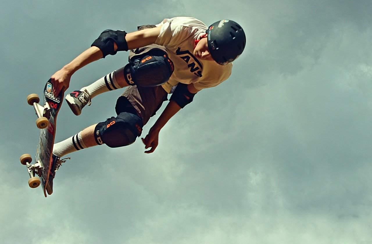 need a helmet to skateboard